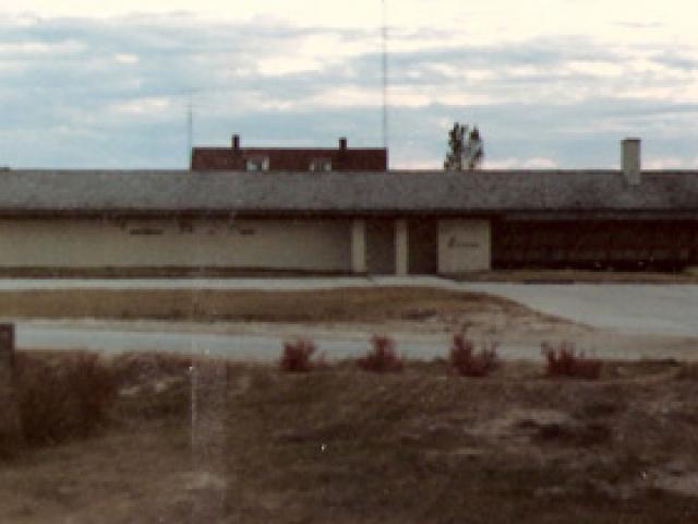 1982-04